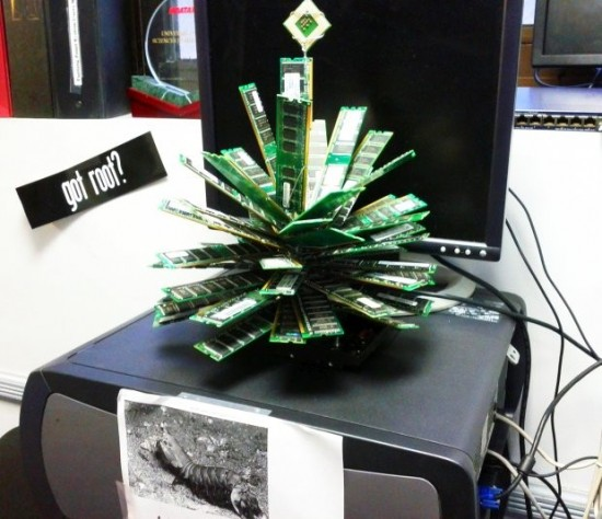 Un sapin geek au bureau