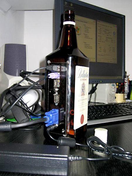 ordinateur_bouteille_whisky